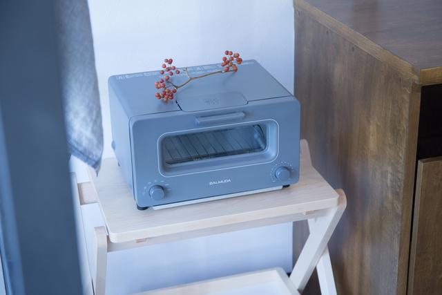 狭いキッチンで置き場に困る、ちょっとした家電製品だってOK。