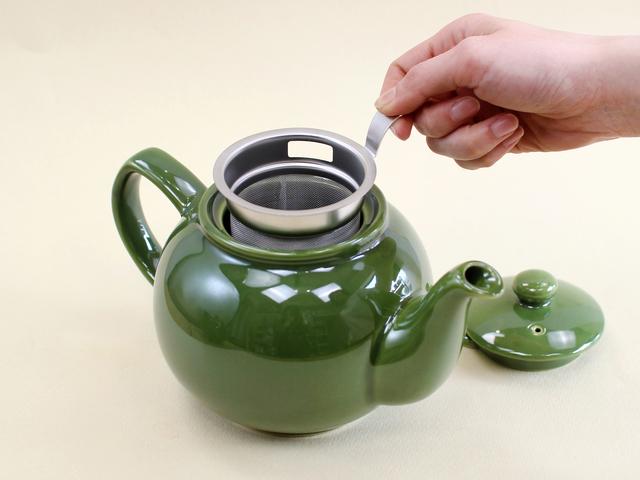 ぽってりと厚みのある陶器は、優れた保温性と耐久性を兼ね備えているので、毎日気軽に使えるのも嬉しいですね。