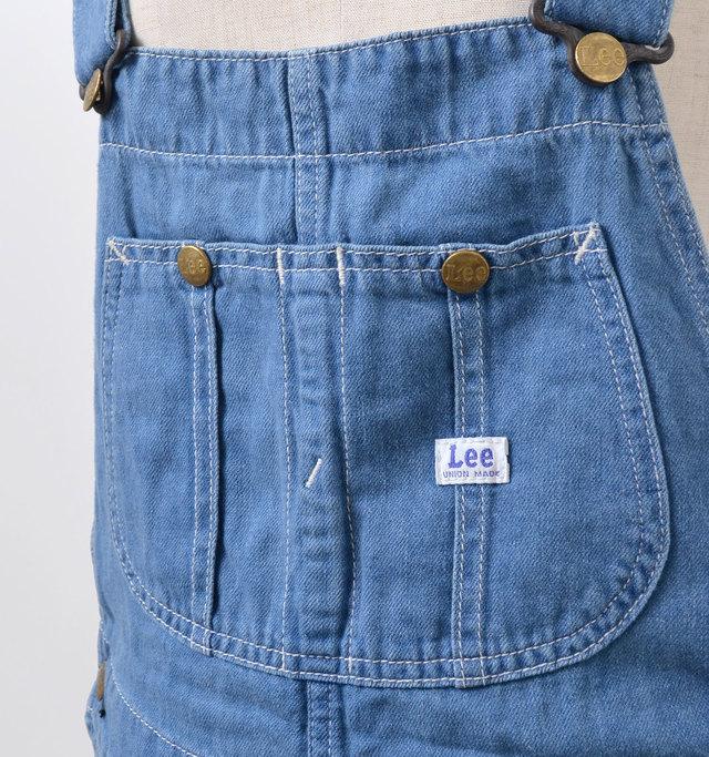 愛らしい印象の丸みのあるパッチポケット。ステッチなどワークテイストたっぷりのディテールです。