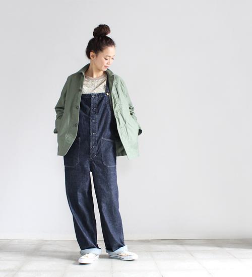 2 着用、モデル身長:164cm  大きめのジャケットと合わせてももたつかず、丁度いいサイズ感でスタイルをまとめてくれます。