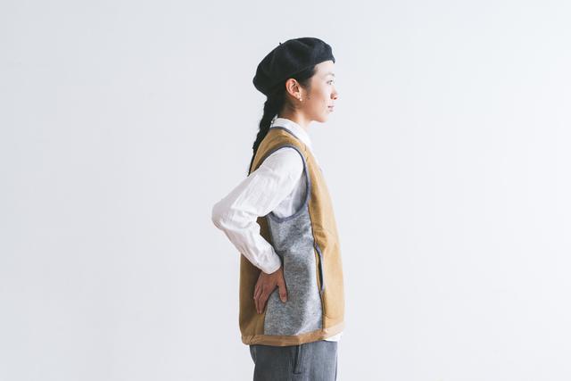 アウトドアウェアはもちろん、きれいめシャツとも好相性。上からコートも羽織りやすく、秋から春まで着回し力抜群です。
