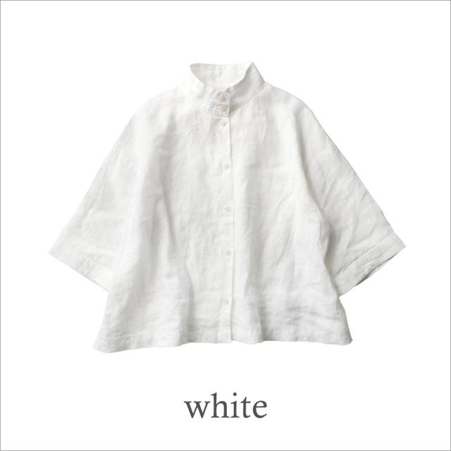 シンプルでベーシックな白シャツ。爽やかなスタイリングにぴったりです。 ◆ただいまご予約受付中!5月下旬より順次お届けいたします。