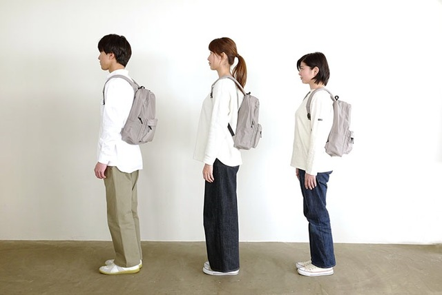 左より、男性モデル身長171cm、女性モデル身長168cm、女性モデル身長157cm