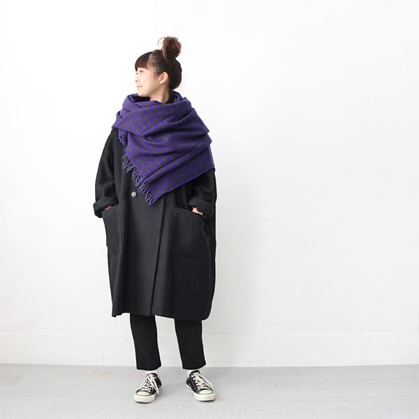 『Veritecoeur』からゆったり身幅が特徴の、素敵なコートが入荷してます!! 見た目ほど重たくなく、ほどよい厚みなので早い時期から着ていただけますし、本格的に寒くなったらたっぷり身幅があるぶん、セーターなどもしっかり重ね着できるので長く着回せそうです♩