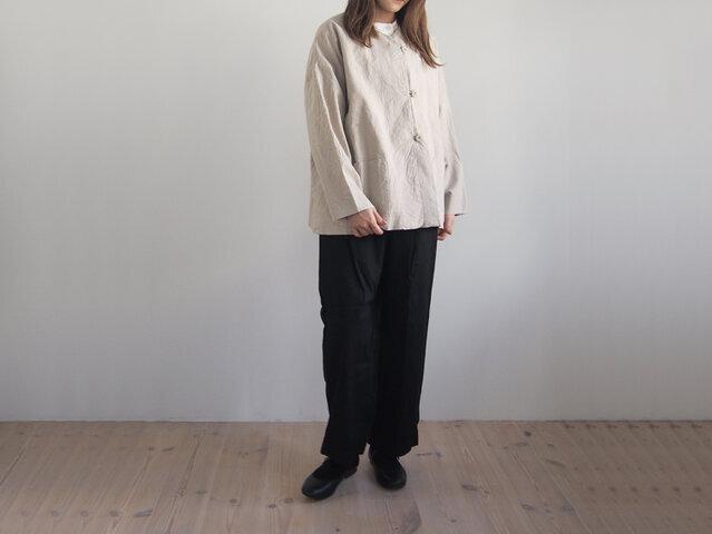 モデル身長:155cm、着用カラー:キナリ